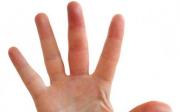 Oteklé klouby prstů naruce