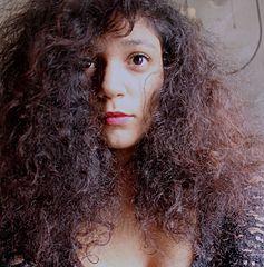 Co nasuché akrepaté vlasy